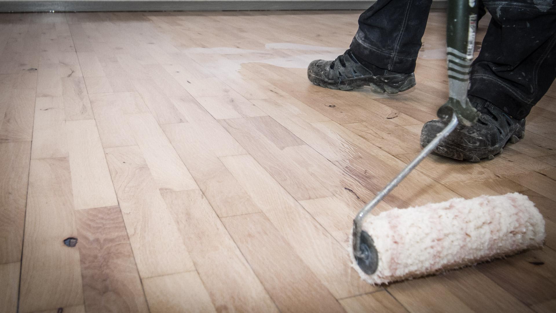 Afslibning og lakering af gulve